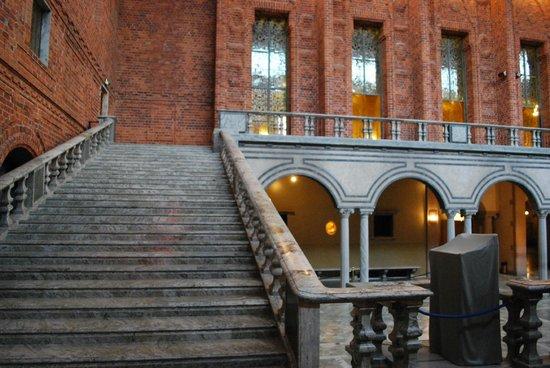 Hôtel de ville : лестница в стокгольмской ратуше