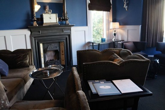 Number Four Boutique Hotel: Lounge at Number 4