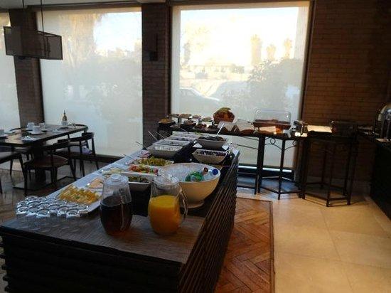 AlQasr Metropole Hotel : restaurant
