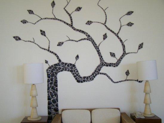Pueblo Bonito Pacifica Golf & Spa Resort : wall mosaic in lobby