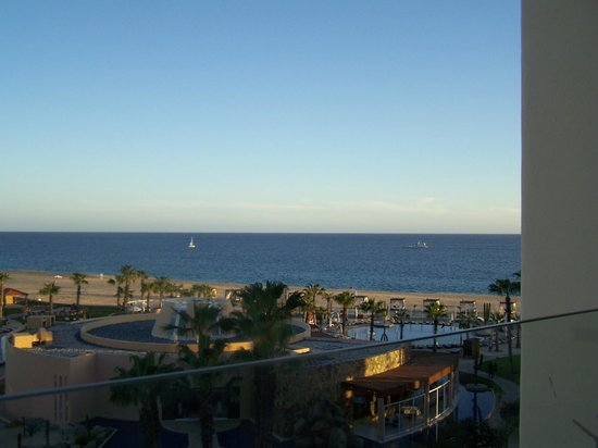 Pueblo Bonito Pacifica Golf & Spa Resort : View of the ocean from our balcony