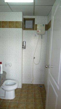Rikka Inn: łazienka