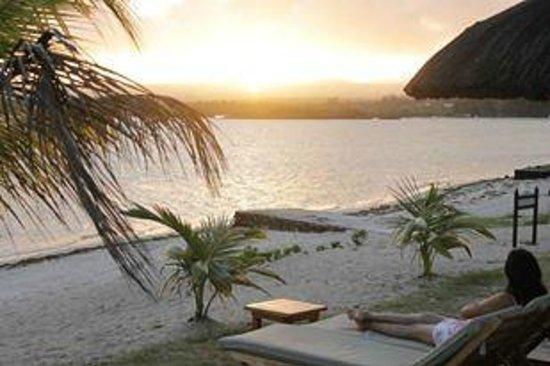 Jalsa Beach Hotel & Spa - Mauritius: View of the beach