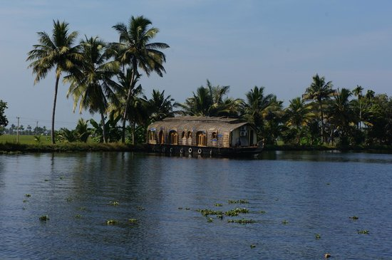 Lakes & Lagoons Tour Company: views of the backwaters