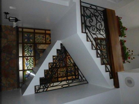 Hotel Victoria : Beautiful stairway in hotel