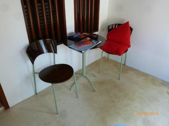 Pavilion Samui Villas & Resort : Terrasse lt. Katalogbeschreibung sollte diese mit einem day bed versehen sein