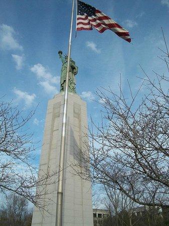 Statue of Liberty Replica : Replica