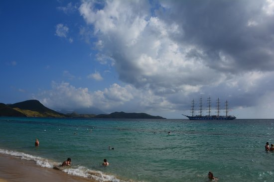 Island Paradise Tours : Quick stop at the beach