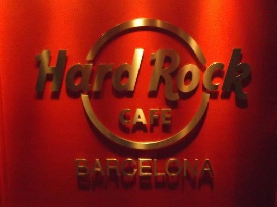 Hard Rock Cafe Barcelona: iconic sign
