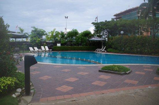 Promenade Hotel: The Hotel Pool