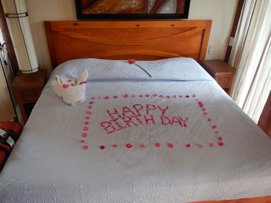 Hotel Villas Las Azucenas: Birthday surprise for Bryan