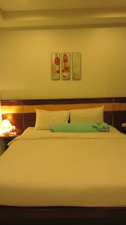 i-Kroon Cafe & Hotel: Room
