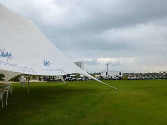 Puerto Cancun Golf Course: Practice range, staging area and temporary clubhouse