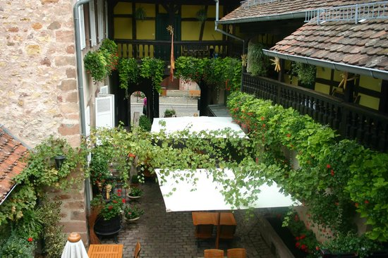 La Cour du Bailli Residence Hoteliere : View of hotel