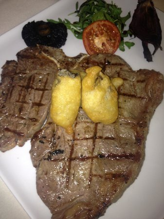 Cafe Royal Circle Bar: T-bone with deep fried Scottish oysters