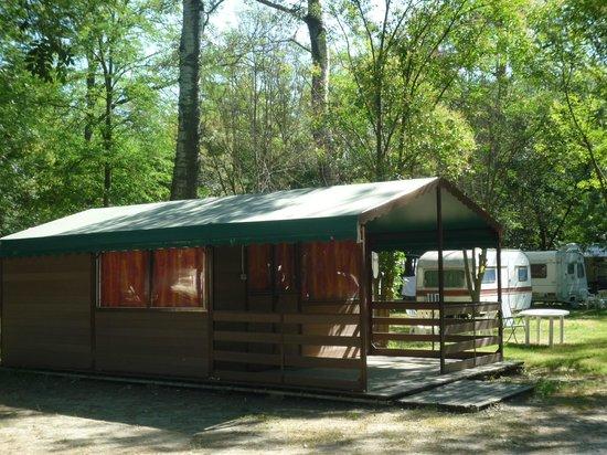 Camping du Lion : bungalow 4 pers