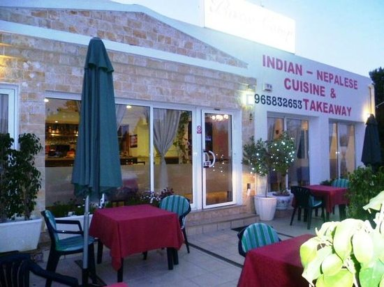 Base camp: Best Indian Restaurant in Spain - Delicious food and lovely staff.