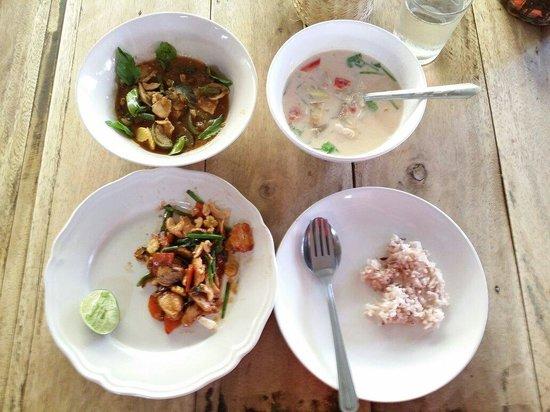 Sammy's Organic Thai Cooking School: The food.