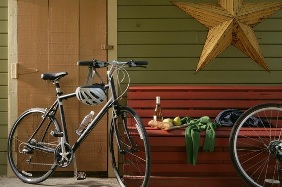 The Cottages of Napa Valley : bicycles