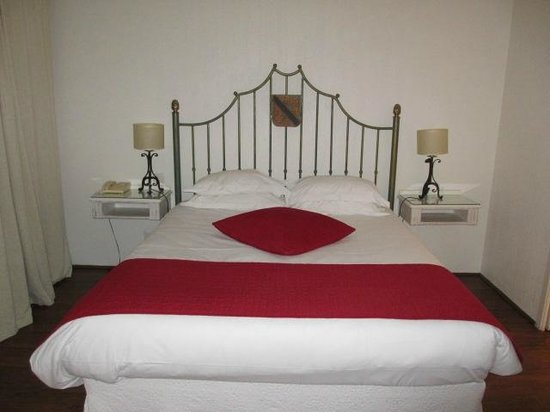 Avignon Grand Hotel: Lit