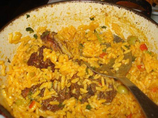 Cabana Restaurant: Arroz con pollo 2 - nella pentola
