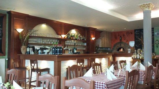 Ristorante La Pera Nera: Bar e pizzeria