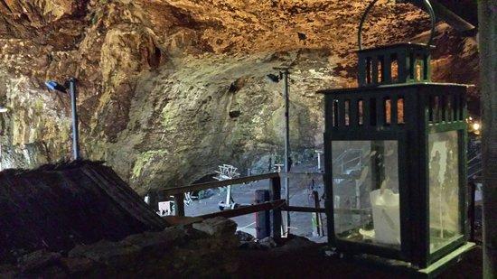 Peak Cavern: Main opening to the cavern