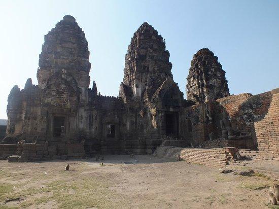 Phra Prang Sam Yot : le monument