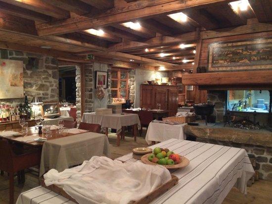 Hotel les Servages d'Armelle : Salle à manger
