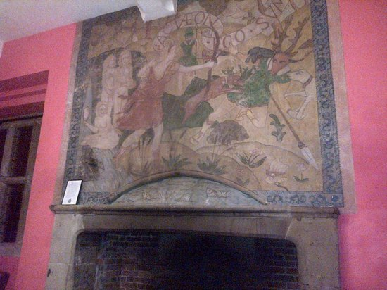 Mercure Telford Madeley Court Hotel: Olde picture in dining room above open fire, beautiful !