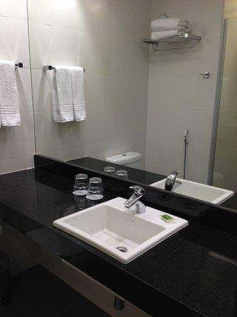 Linx Hotel International Airport Galeão: Bathroom