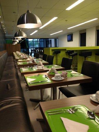 Linx Hotel International Airport Galeão: Breakfast Room/Restaurant