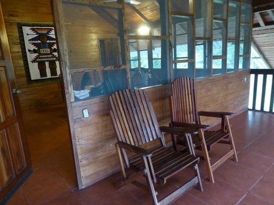 Jungle Lodge El Jardin Aleman : Screened porch