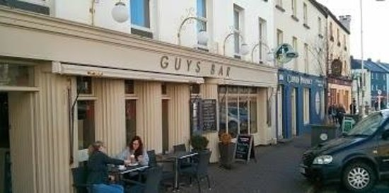 Guys Bar & Snug: Guys Clifden