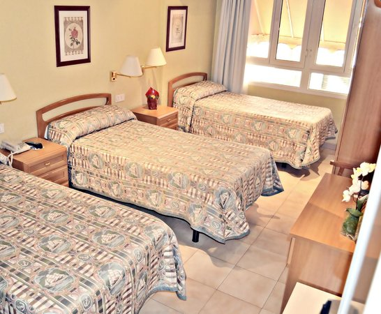 Hotel Patilla: Habitación triple