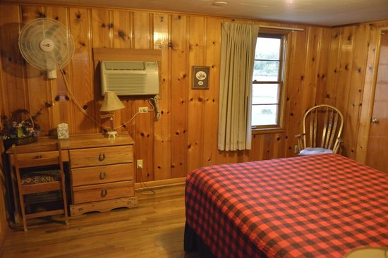 Country Lodge: one of the rooms