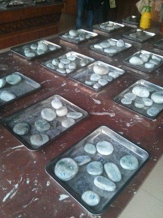 Flowers and Birds Market of Kunming: Raw un-cut jade stones
