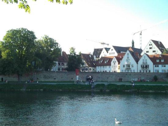 Golden Tulip Parkhotel Neu-Ulm: River side view
