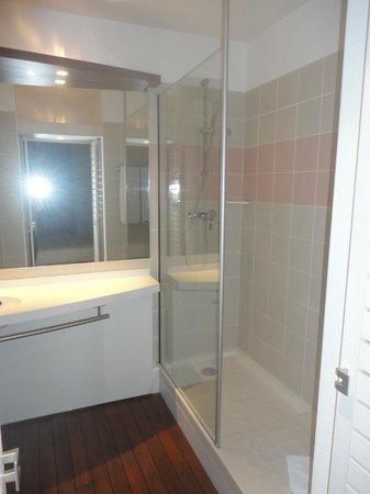 Suite-Home Apt en Luberon: SDB Spacieuse