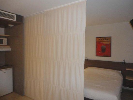 Suite-Home Apt en Luberon: Suite pouvant être séparée Chambre - Cuisine