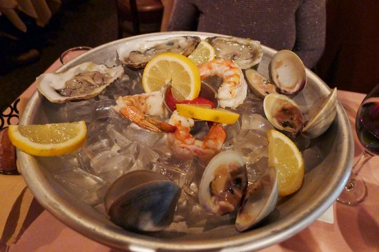 Acacia: Seafood tower for 2