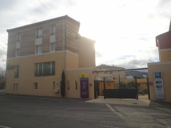 Suite-Home Apt en Luberon: Devanture