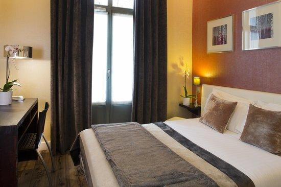 """Hotel des Arceaux: Chambre classique n° 101 """"Everglades"""" Vue sur monument historique"""