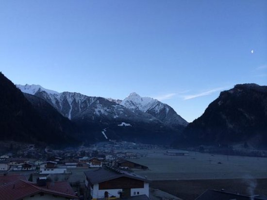 Hotel Eckartauerhof: View towards Mayrhofen from bedroom window.