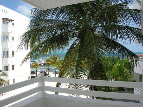 Holiday Inn Cancun Arenas: Вид с балкона номера
