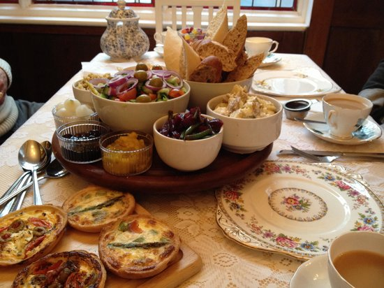 Francis Tea Rooms : Our beautifully presented lunch!