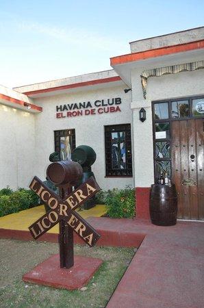 House of Rum : Front Door of El Ron de Cuba