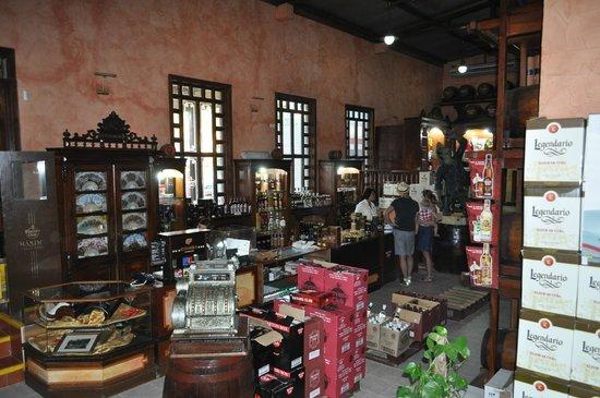 House of Rum : more inside Havana House