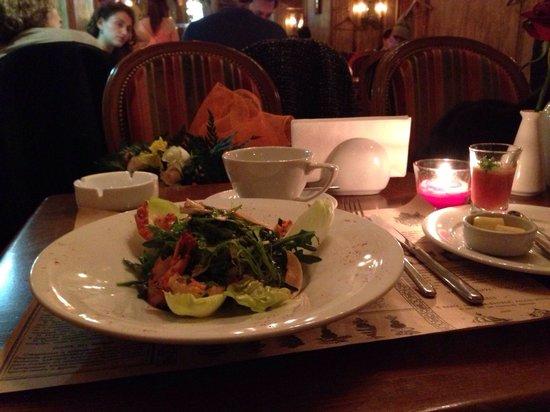 Cafe Michel : Салат с тигровыми креветками