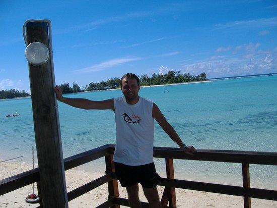 Wayne at the beach outside Vara's